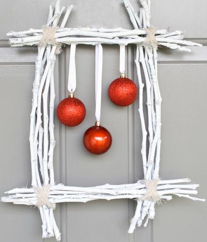 Karácsonyi koszorú gallyakból