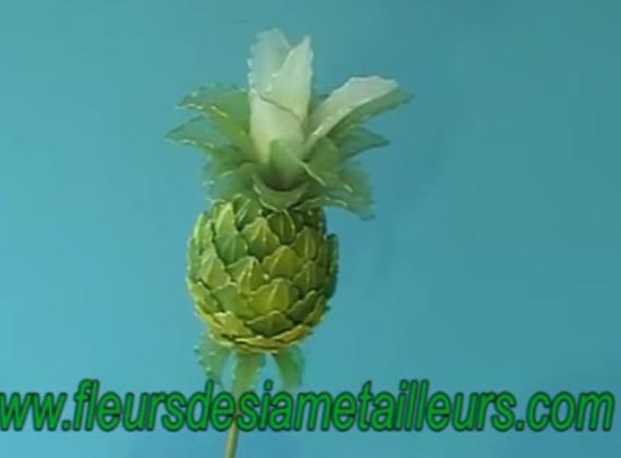 Ötletes harisnya-ananász hungarocell alappal
