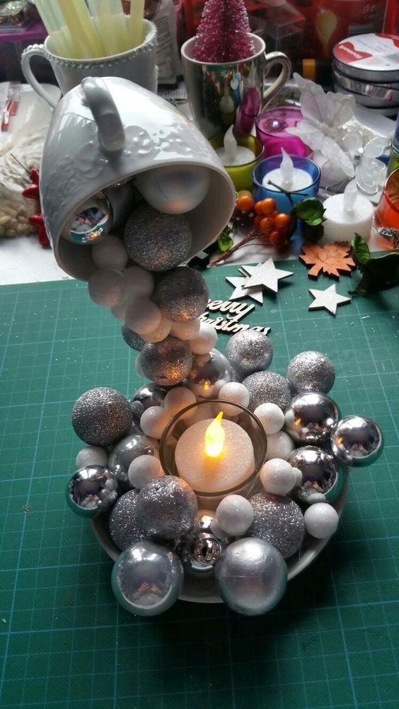 Karácsonyi lebegő csésze