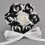 Különleges, fekete-fehér rózsa